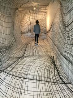 "Peter Kogler ""Next"", ING Art Center, Brussel. Installation art that engages the audience and uses line to create implied space Instalation Art, Wow Art, Art Plastique, Optical Illusions, Optical Illusion Paintings, Oeuvre D'art, Contemporary Art, Funny Pictures, Funny Pics"