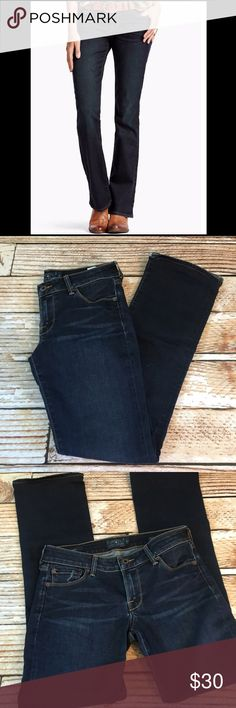 "Lucky Brand premium denim Lolita boot cut jeans Lucky Brand premium denim Lolita boot cut jeans size 2/26. The inseam has been altered. Inseam 30"", rise 7.5"", waist 14.5""   🍥Bundle deals available (I carry various sizes and brands in my closet): 2 items 10% off, 3 items 15% off, 4 items or more 20% off.  🍥No trades, modeling, or lowball offers please. 🍥All reasonable offers accepted only through ""offer"" button. Please submit offer willing to pay. 🍥I appreciate you all. Happy Poshing…"
