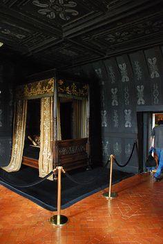 Prehistory of Gothic   Chambre de Louise de Lorraine, in the Chateau de Chenonceau  Chateau de Chenonceau, Touraine Loire Valley, France #IciVivreEstUnArt