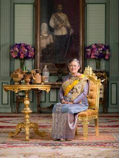 Beloved Crown Princess Phrataprattanasuda of the Kingdom of Thailand King Phumipol, King Pic, King Rama 9, King Of Kings, King Queen, Thai Princess, My Princess, Thailand Honeymoon, Queen Sirikit