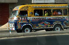 Transports insolites dans le monde  Taxi-brousse Afrique