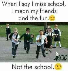 In skul funny school jokes, school humor, funny jokes, crazy friends, mem. Funny School Jokes, Very Funny Jokes, Really Funny Memes, Crazy Funny Memes, School Humor, Funny Facts, Funny Quotes, True Quotes, Funny Friendship Quotes