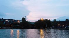 FLOATING MARKET LEMBANG // BANDUNG INDONESIA // bertempat duduk dua dengan dia dan kami duduk ditengah danau diatas kano ditemani angin serta lantunan lagu hanya kami yang tau.