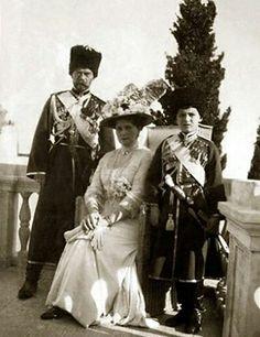 """Tsar Nicholas ll of Russia,Empress Alexandra Feodorovna of Ryssia,Tsarevich Alexei Nikolaevich Romanov of Russia at Livadia. """"AL"""""""