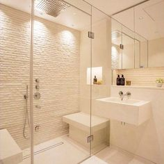 White Bathroom, Modern Bathroom, Small Bathroom, Bathroom Ideas, Cream Bathroom, Bathroom Designs, Interior Design Studio, Bathroom Interior Design, Bathroom Showrooms