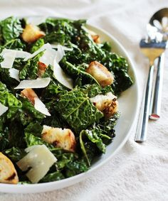 #Recipe: Garlicky Grilled Kale Salad with Grilled Bread