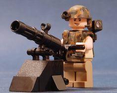 Lego Soldiers, Lego Ww2, Legos, Lego Hand, Army Men Toys, Lego Custom Minifigures, Lego Boards, Amazing Lego Creations, Lego Craft