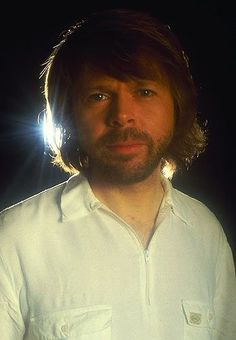 "Björn at the end of the ABBA era.1982. At the beginning of 1983 Björn was featured in the Swedish weekly ""Veckojournalen"". He gave an extensive interview where he answered a lot of questions. He was talking roughly about the forthcoming musical. He said that it would be possible to engage both Agnetha and Frida for the main roles in ""Chess""."