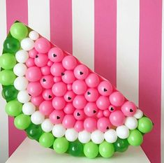 How to plan a watermelon birthday party for kids, party supplies, party games, party favors, watermelon birthday party foood idea - literally all you need! Watermelon Decor, Baby Shower Watermelon, Watermelon Birthday Parties, Fruit Birthday, Fruit Party, First Birthday Parties, Girl Birthday, First Birthdays, Watermelon Party Decorations