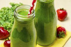 Batido detox de fresas y alga chrorella