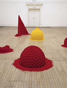 Anish Kapoor, To Reflect an Intimate Part of the Red, 1981. Mixed media and pigment,
