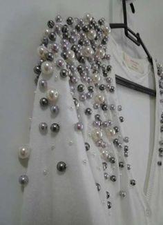 ideas fashion spring curvy wedding dresses for 2019 Embroidery Fashion, Beaded Embroidery, Hand Embroidery, Embroidery Designs, Fall Wedding Dresses, Wedding Dress Styles, Spring Dresses, Abaya Fashion, Diy Fashion