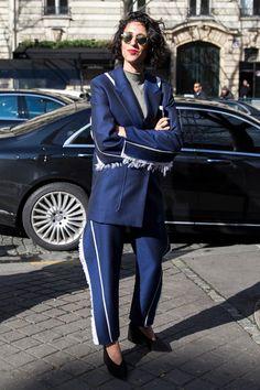 YASMIN SEWELL IN ACNE AT PARIS WEEK- Fashionista repin BellaDonna
