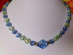 leuchtende Silverfoil-Glasperlen in zartem Grün und Blau