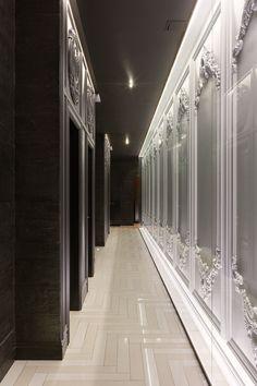 The juxtaposition of black and white is sublime Fancy Shop, Hotel Corridor, Corridor Lighting, Elevator Lobby, Nightclub Design, Corridor Design, Built In Furniture, Lobby Design, Classic Interior