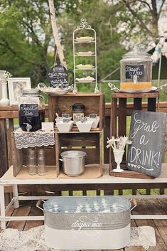 60 rustikale Hochzeit im Freien Dekorationen Ideen einfach zu lieben 60 Rustic Outdoor Wedding Decorations Ideas Easy To Love wedding Drink Bar, Bar Drinks, Drink Table, Beverage, Bridal Shower Tea, Bridal Shower Rustic, Rustic Baby Shower Decor, Wedding Shower Drinks, Themed Bridal Showers