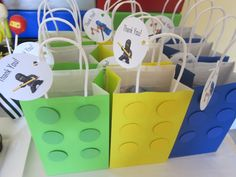 Lego birthday party favor bags www. Lego birthday party favor bags www. Lego Ninjago, Ninjago Party, Ninja Birthday Parties, Birthday Party Favors, Boy Birthday, Birthday Treats, Theme Star Wars, Party Favor Bags, Gift Bags