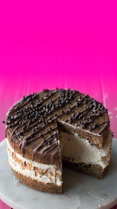 """Giant Peanut Butter Ice Cream Sandwich This """"ice cream sandwich"""" needs to be eaten like a cake. Waffle Ice Cream Sandwich, Homemade Ice Cream Sandwiches, Ice Cream Desserts, Frozen Desserts, Ice Cream Cakes, Fun Baking Recipes, Dessert Recipes, Healthy Recipes, Healthy Meals"""