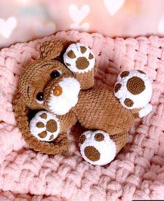 Crochet Baby Toys, Cute Crochet, Crochet Animals, Crochet Crafts, Crochet Projects, Dog Crochet, Crochet Dolls Free Patterns, Plush Pattern, Stuffed Toys Patterns