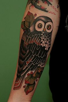 Another interesting theme in tattooing is owl tattoos which are considered to be birds of wisdom. Here are top picks of owl tattoo designs for your knowledge. Owl Forearm Tattoo, 4 Tattoo, Forearm Tattoo Design, Body Art Tattoos, Small Tattoos, Sleeve Tattoos, Cool Tattoos, Tattoo Pics, Placement Tattoo
