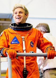 Nobody can drag me down. Niall Horan Baby, Naill Horan, Irish Boys, Irish Men, James Horan, Liam Payne, Louis Tomlinson, One Ditection, Canciones One Direction