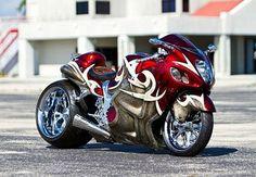 Monster.. Custom Street Bikes, Custom Sport Bikes, Futuristic Motorcycle, Suzuki Motorcycle, Custom Hayabusa, Vaquera Sexy, Harley Davidson, Suzuki Hayabusa, Biker