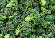 Brokoliyi ve Yoğurdu Birlikte Yedi Midesi Hemen Harekete Geçti