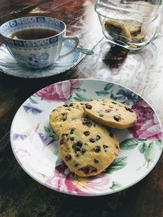 A Italian Kitchen by Stefania: Biscotti con gocce di cioccolato