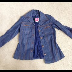 Retro jean jacket from the 70's This is a retro vintage jacket worn by my mother in the 70's fits more like medium to small on arms Jeans