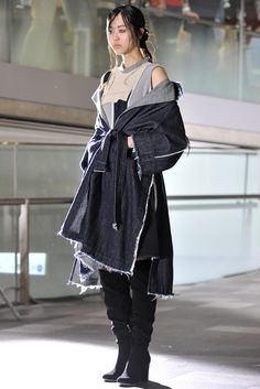 Mihara Yasuhiro Modified Autumn-Winter 2016-2017 (Fall 2016) fashion collection - Tokyo Fall 2016 collection