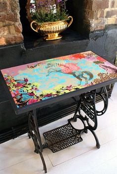 Laura Oakes digital decoupage vintage sewing machine table - wish I still had my Singer bases :-(