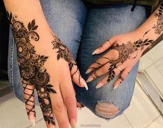 this is Latest Easy Henna Mehndi Design Pattern for Hands Finger Henna Designs, Henna Art Designs, Mehndi Designs For Fingers, Latest Arabic Mehndi Designs, Stylish Mehndi Designs, Beautiful Henna Designs, Henna Tattoos, Henna Tattoo Hand, Foot Henna