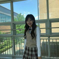 School Girl Outfit, Girl Outfits, Sweet Girls, Cute Girls, Korean Girl, Asian Girl, Teen Web, Uzzlang Girl, Ulzzang Couple