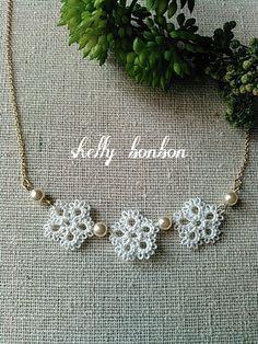 タティングレース3連花のネックレス