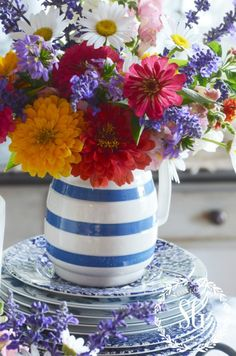 10 EASY WAYS TO ADD SUMMER TO YOUR HOME - StoneGable