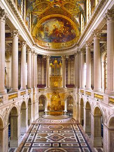 Titillating Tidbits About the Life and Times of Marie Antoinette: Une Chapelle pour le Roi