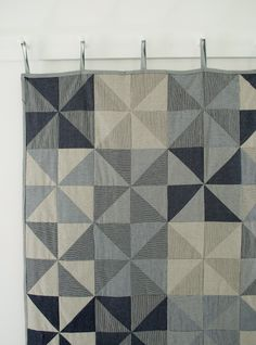Love this tutorial for a denim pinwheel quilt.