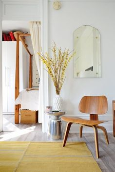 A Minimalist Manifesto: How To Simplify Your Style at Home