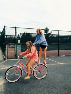 Pink beach cruiser | VSCO Grid | Lilly Ratcliffe