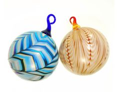 Daniel Lotton Art Glass www.daniellottonstudio.com Glass Art, Ceramics, Christmas Ornaments, Lighting, Holiday Decor, Pretty, Home Decor, Xmas Ornaments, Christmas Jewelry