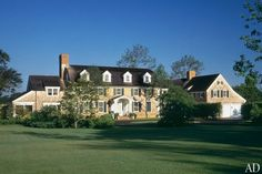 An East Hampton Colonial Revival Residence by Robert A.M. Stern Photos   Architectural Digest