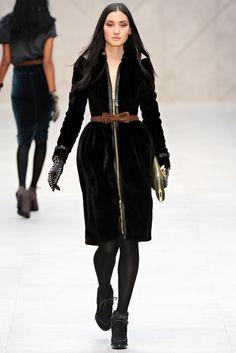 Burberry Prorsum Fall 2012 Ready-to-Wear Fashion Show - Lina Zhang
