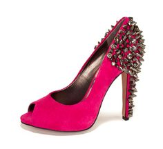 i tried a shoe like this 1 on and i accidentally hit it and then my finger started bleeding it hurt~Kylie