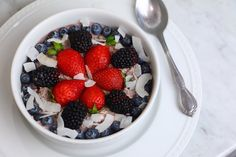 Berry Beautiful Overnight Oats | 27 Healthy Breakfasts Under 400 Calories For When You're In A Rush