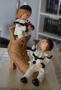 Pierrot et Colombine - Porcelaine froide sur bottine en bois