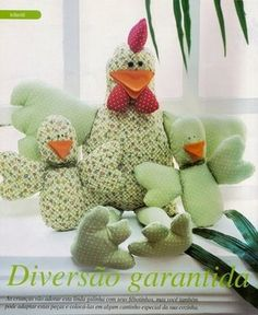 Patterns of toys - Page 2 - Forum Stuffed Animal Patterns, Dinosaur Stuffed Animal, Crafts To Make, Arts And Crafts, Farm Quilt, Chicken Crafts, Fabric Wreath, Fabric Birds, Diy Sewing Projects