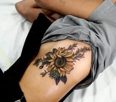tattoos : sunflower Shoulder