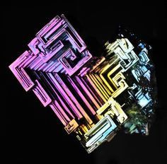 Microscopic Photos of the Periodic Table of Elements. Bismuth (Bi), Semimetals.