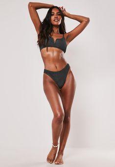 Body Reference Poses, Pose Reference Photo, Mode Du Bikini, Fashion Model Poses, Model Poses Photography, Poses References, Figure Poses, Bikini Poses, Fashion Figures