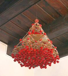 it's a heart heart season: Pajaki from Poland Unusual Christmas Trees, Xmas Tree, Paper Chandelier, Traditional Baskets, Christmas Paper Crafts, Xmas Decorations, Accent Decor, Garland, Arts And Crafts